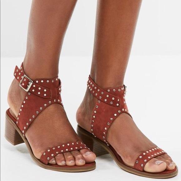 c8d7fb933e2d15 Steve Madden Gila Leather Studded Heels Sandal 8. M 5adcf96c3b1608b38fd63440